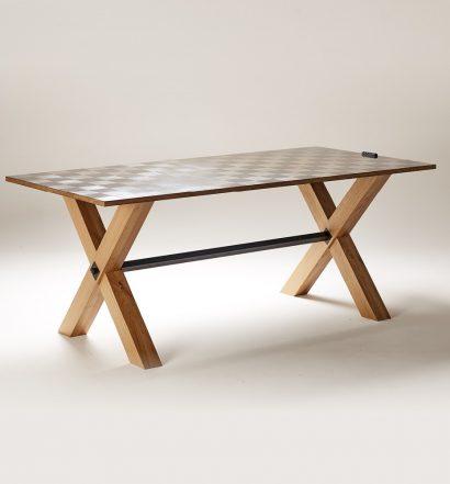 Une table en fibre de carbone aéronautique